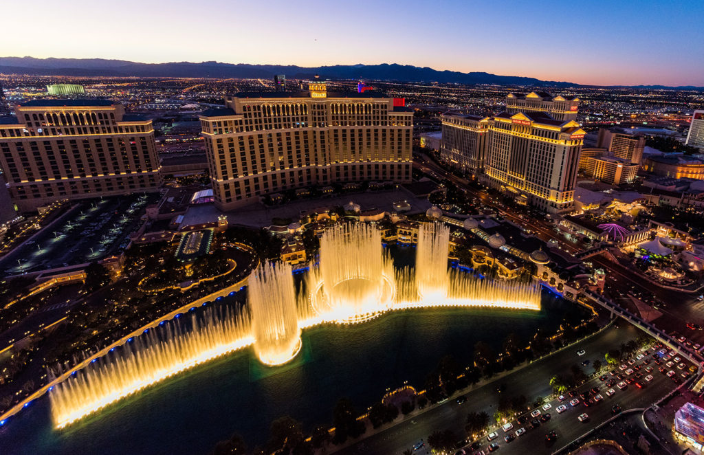 Be Amazed by the Bellagio Fountain show.