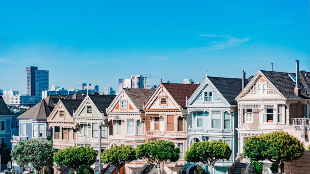 See the Painted Ladies in Alamo Square